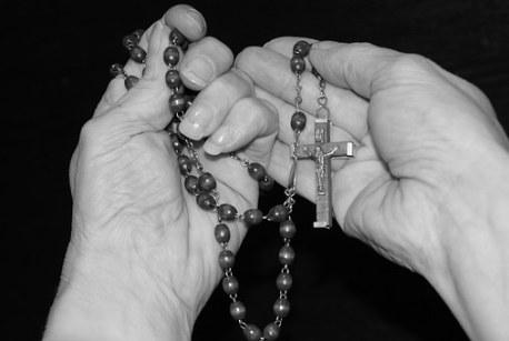 pray-1218506__340
